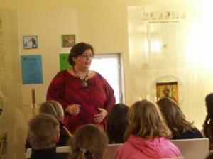 Märchenerzählerin Katja erzählt russische Märchen