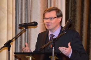 Bild - E. Osechkin, Dr. Andrej Tchernodarov, Autor des Ausstellungskonzeptes und Kurator,