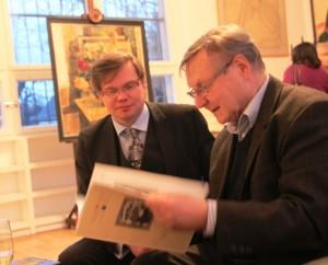 Herr Geier und Herr Dr. Tchernodarov bei der eröffnung der Ausstellung