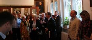 Dr. Tchernodarov eröffnet die Ausstellung Feuervogel des Georg Schlicht