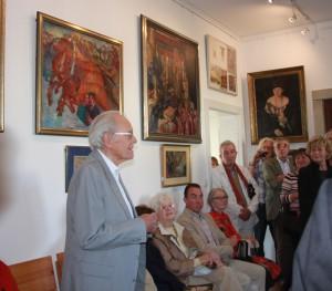 R. Otto spricht bei der Eröffnung